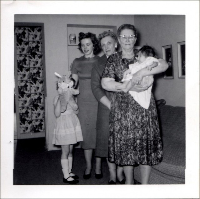 Easter 1960: Mae holding Leslie, Phyllis, Jane, Debbie with Easter Bunny