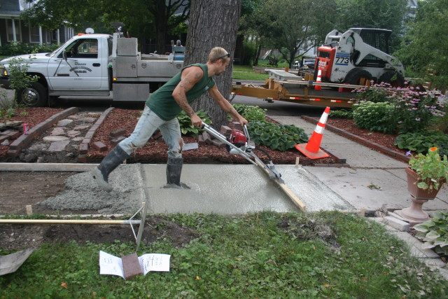 Sidewalk Dillon Working